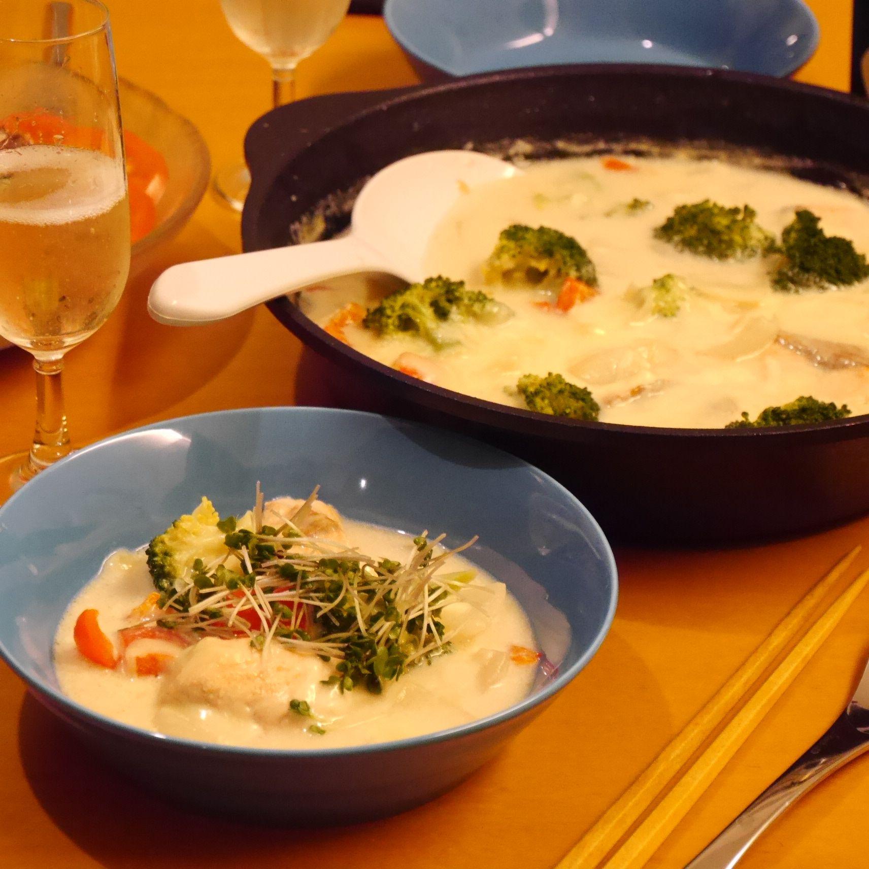 鮭のチーズたっぷりクリームチャウダー_食卓