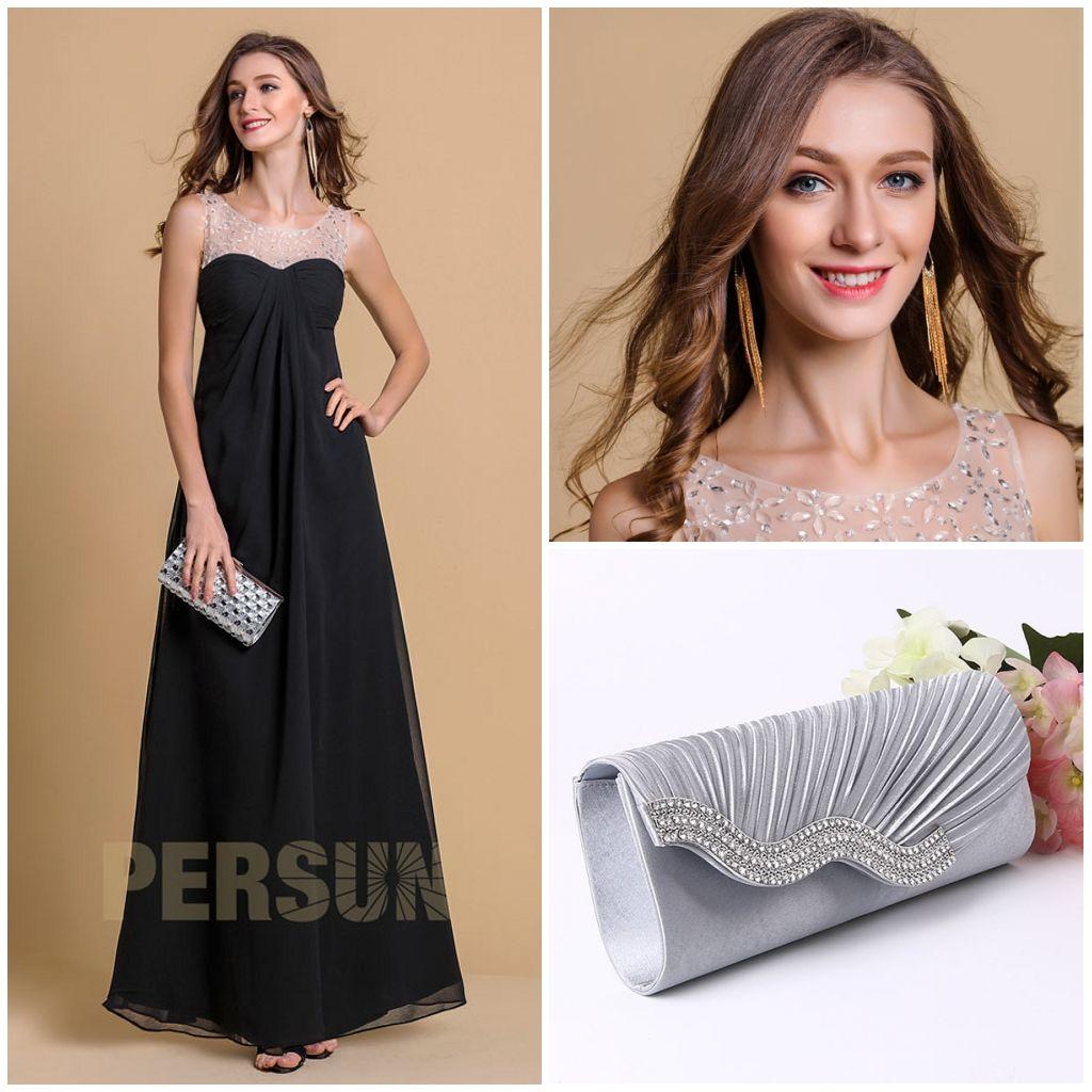 robe de bal noire longue avec des accessoires