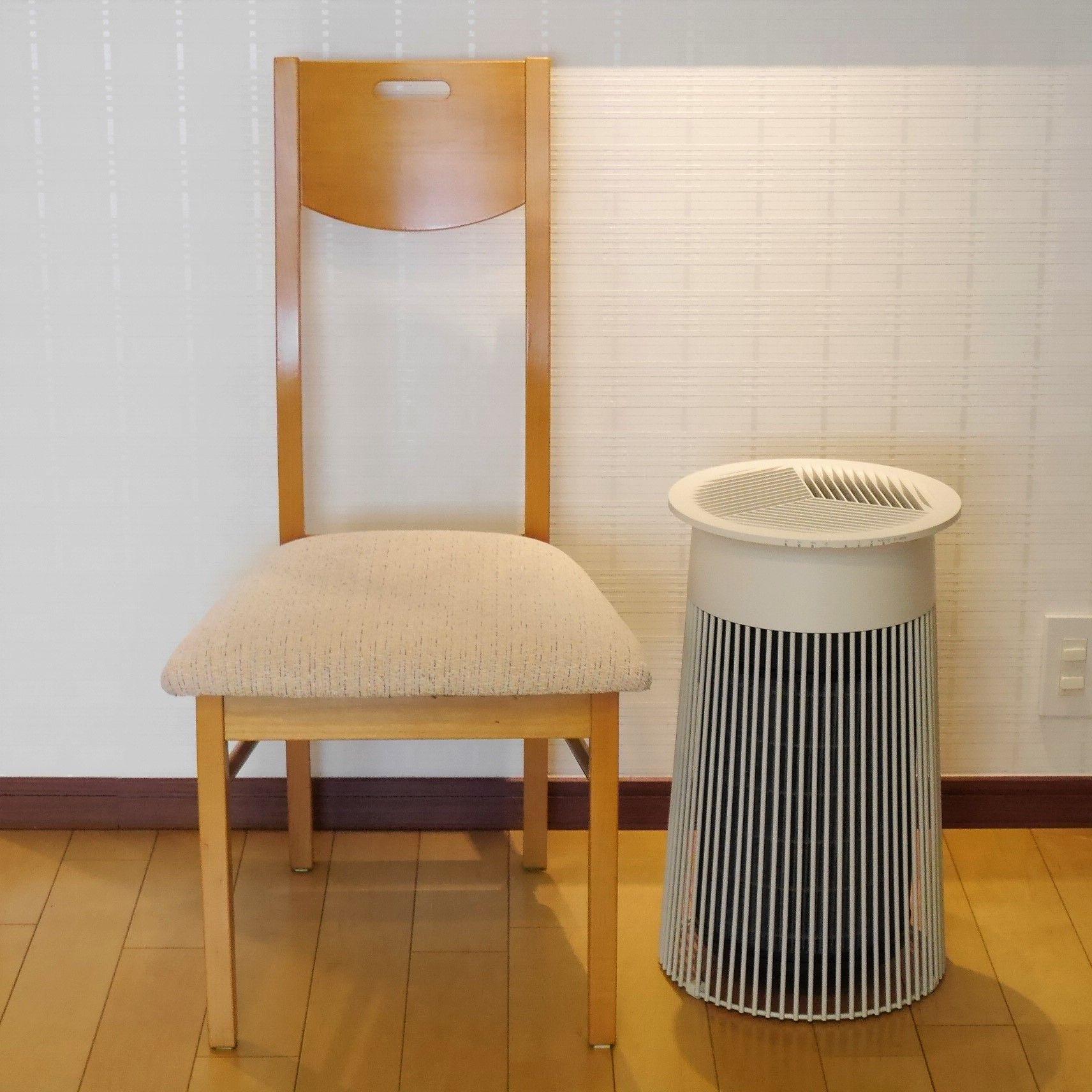 空気清浄機C030_大きさ_椅子と比較
