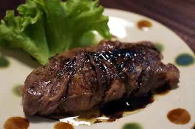 フォアグラの牛肉巻き