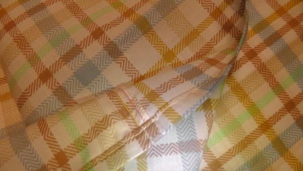 チェック柄の枕カバー(ピローケース) 縫製