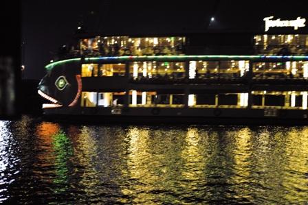クルーズ船2.JPG