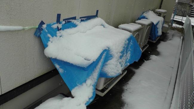 ブルーシートの雪よけの効果