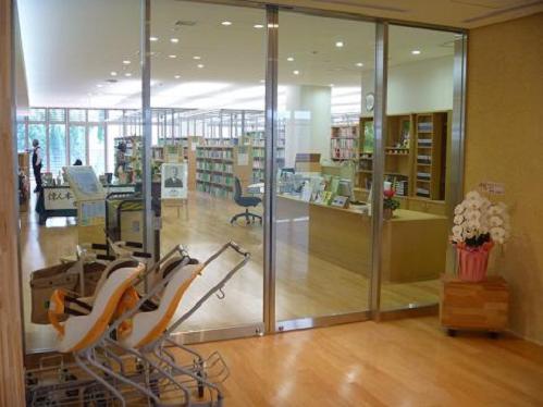 図書館入口2.jpeg