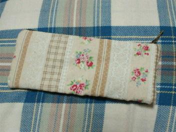 半編み半縫いのペンケース裏