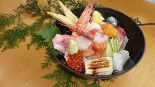 まるよし 海鮮丼.PNG