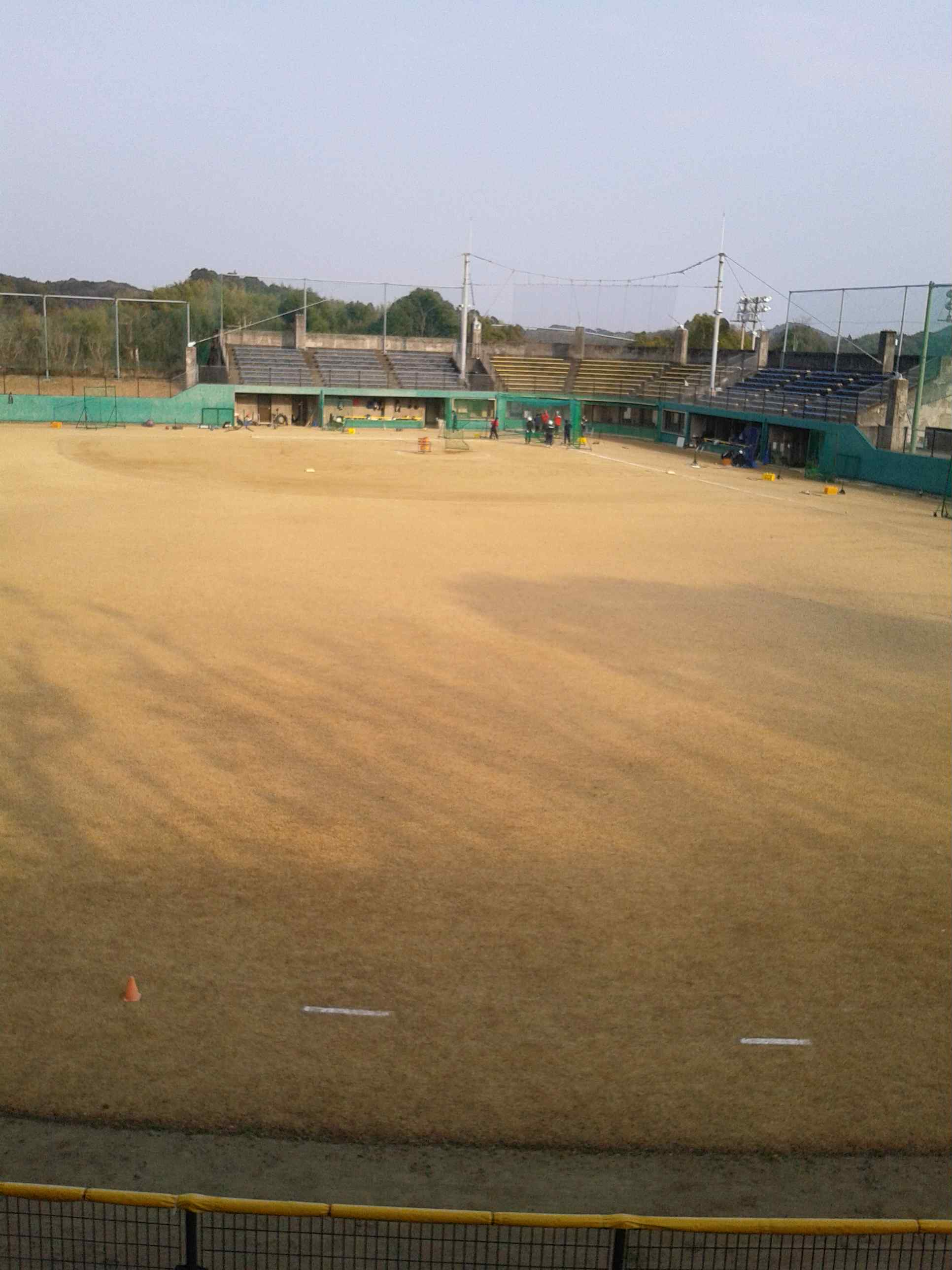 ソフトボール場