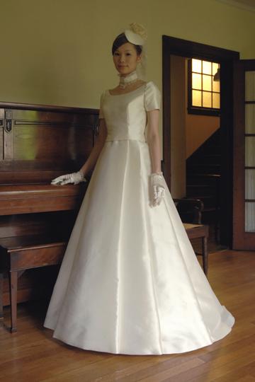 16c6cb63ffb93 ドレスは楽天ではなく、これも通常のネットサイトに詳細あります。 皇室っぽい上品なデザインがもう垂涎モノです。。。  http   vivelamariee.net index.html