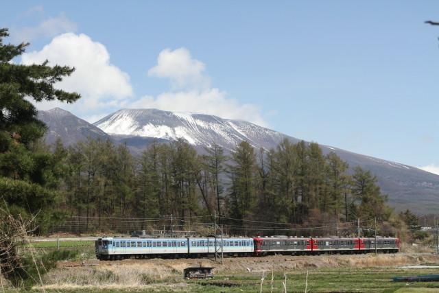 しなの鉄道  と 浅間山