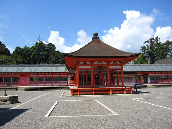 01南宮大社拝殿.JPG