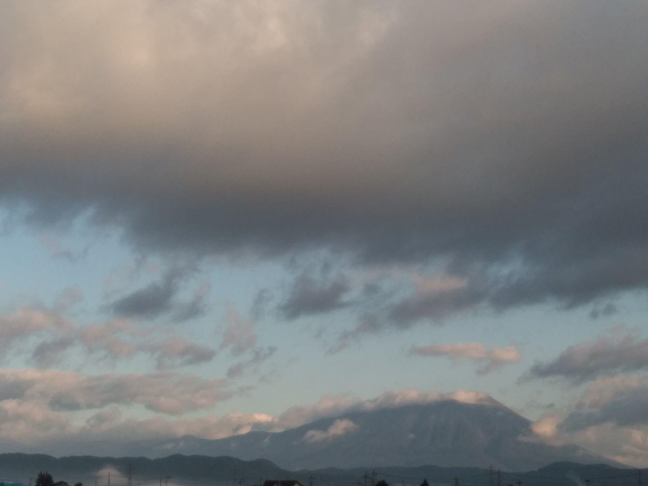 海老蔵 雲 市川 地震