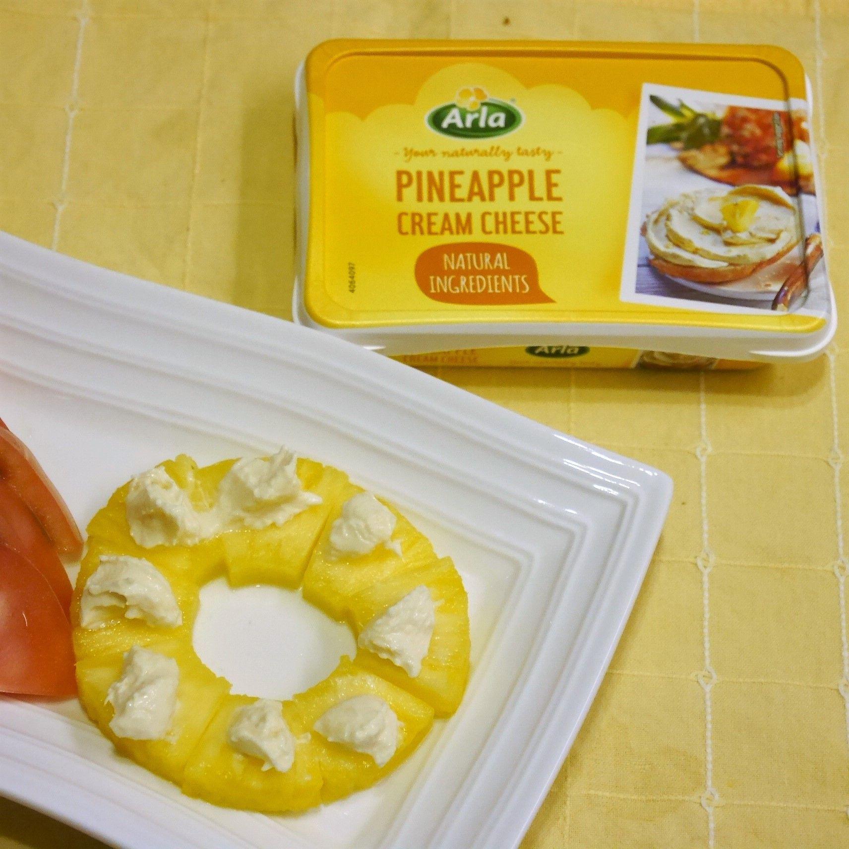 アーラクリームチーズ_パイナップルのせ