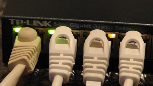TP-Linkの5ポートスイッチングハブTL-SG105