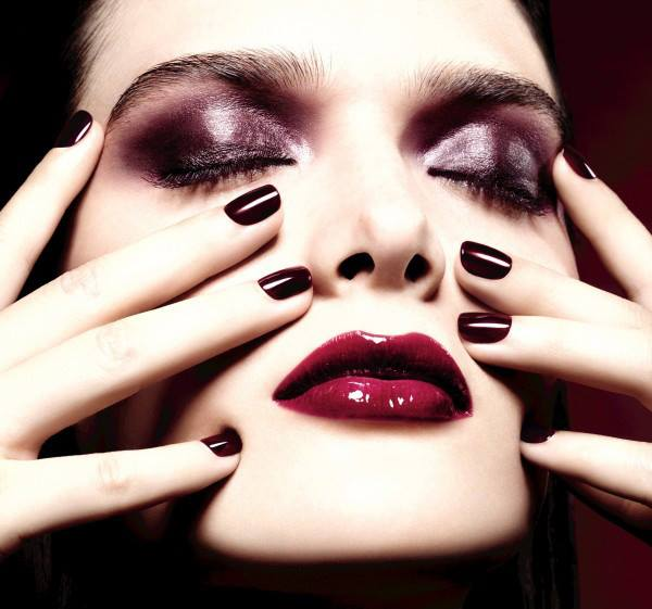 Chanel-Holiday-2015-Rouge-Noir.jpg