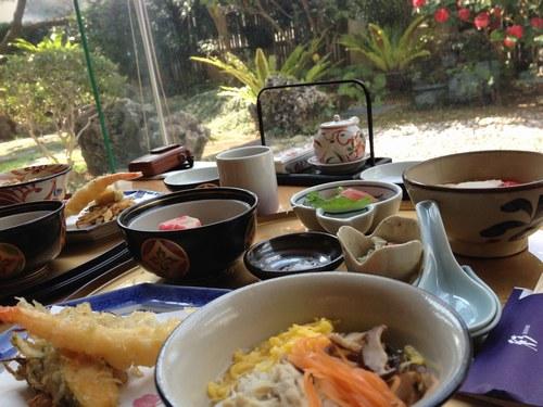 4昼食 琉球食2500.jpg