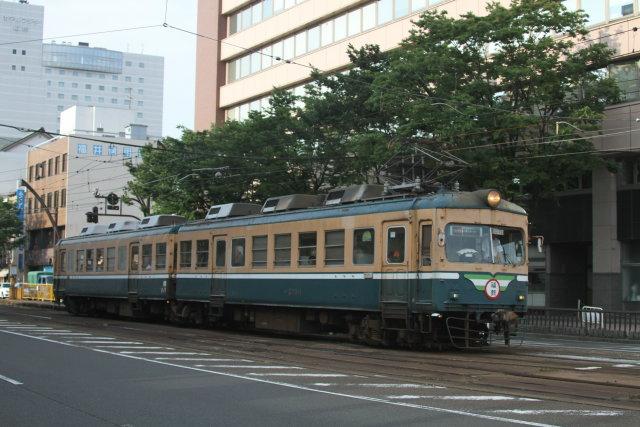 福井鉄道200形 路面を走る5