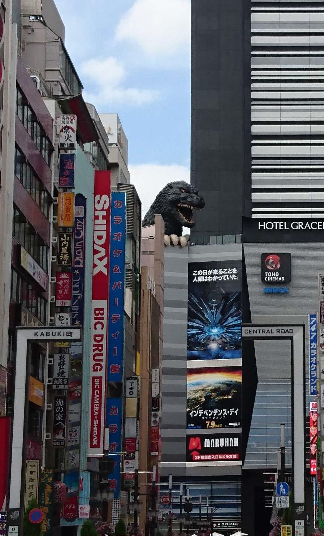 歌舞伎町セントラルロード1.jpg