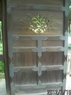 杏壇門の扉