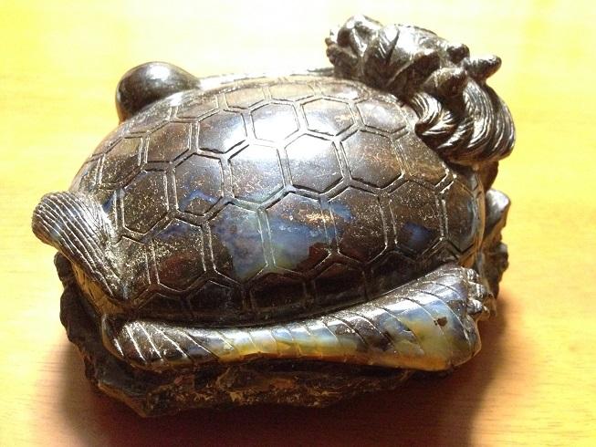 ボルダーオパールの龍亀2