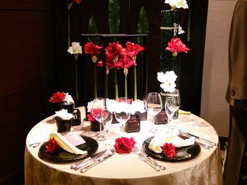 1ホテル結婚式場テーブル500.jpg