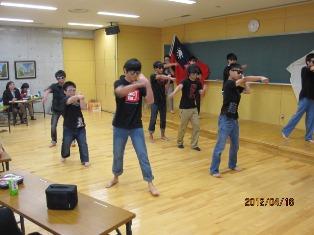 21大垣北台湾側ダンス.jpg