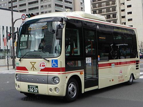 赤バス新車「ポンチョ」 の特徴...