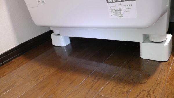 因幡電機産業の洗濯機用防振かさ上げ台「ふんばるマン」OP-SG600