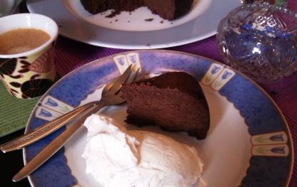 卵とチョコでガトーショコラ(カット)