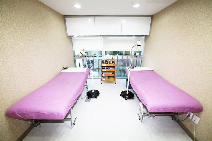 6F Treatment Rooms.JPG