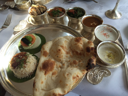 モチモチのナンとカレーが絶品♪タイの有名インド料理 ...