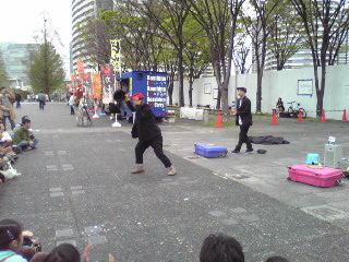 ヨコハマ大道芸2012・ファニーボーンズ1