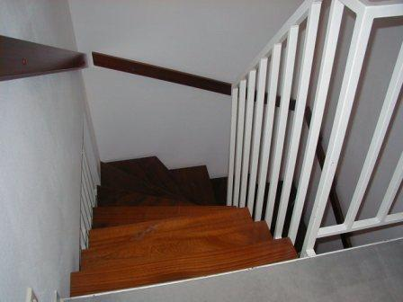 PC160056(階段下を見る).jpg