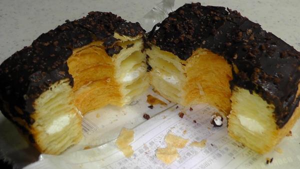 48層のドーナツをカットしてみる 山崎製パン