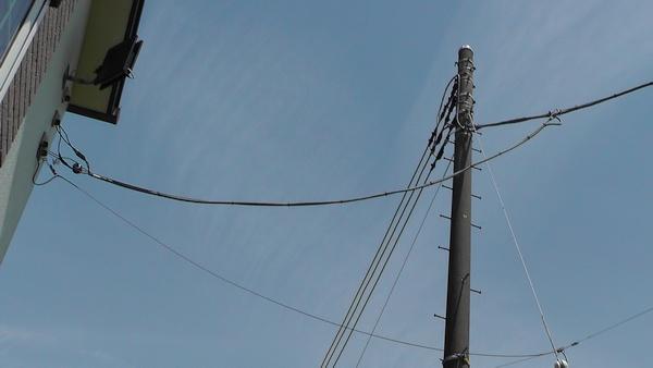 たるませた電線?