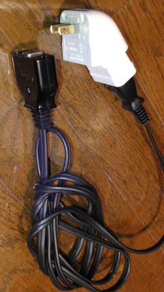 マグネットタップとマグネット付き電源ケーブル