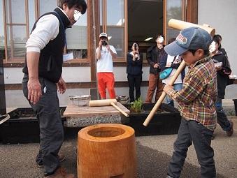 5月5日 草餅つくり 餅つき.jpg
