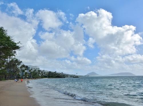 ハワイ ワイキキ ビーチ カハラ