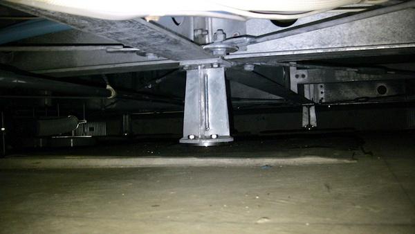 一条工務店 免震装置 スライダー