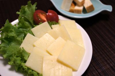 マリボーチーズとスモークチーズ