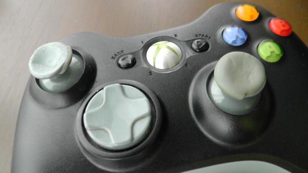 激しく劣化したアナログスティック サムスティック Xbox360 ワイヤレスコントローラー