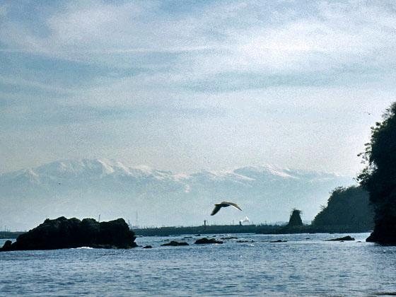 海に浮かぶ立山連峰2