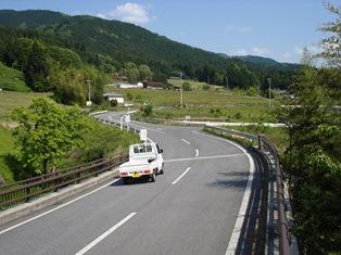 道路と車.jpg