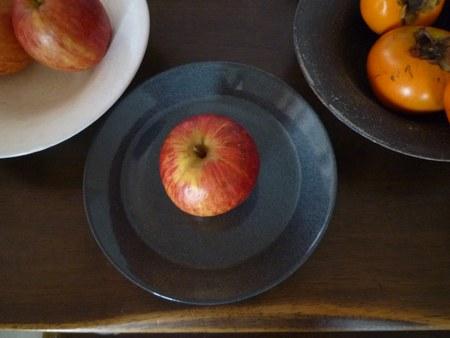 1果物 柿と林檎 ティーマ4450.jpg