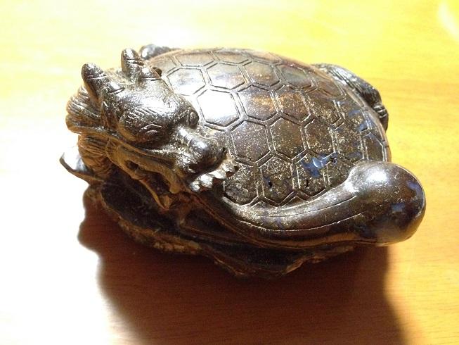 ボルダーオパールの龍亀1