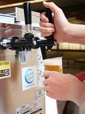 兵衛向陽閣-湯上り処でビール販売3.jpg