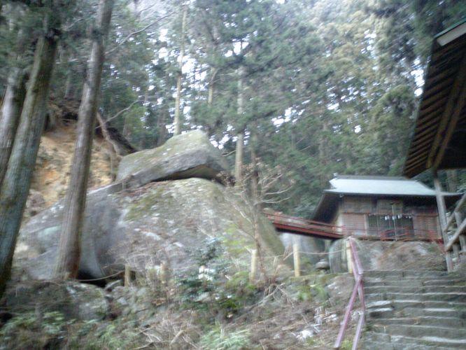 名草巨石群4