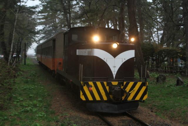 津軽鉄道 雨の ストーブ列車に乗る