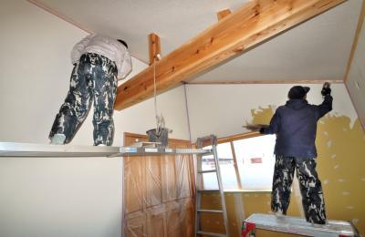 パーフェクトウォール塗り壁施工中