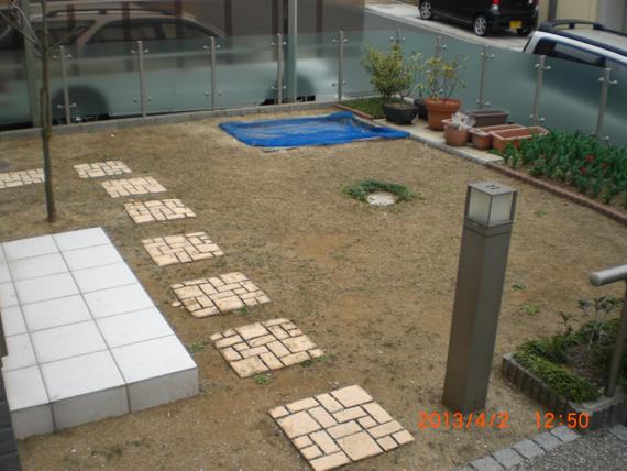 奈良市帝塚山西でリアルな人工芝を施工しました。