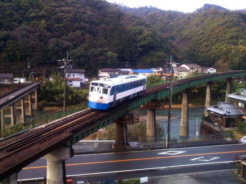 四国 新幹線